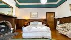 Oak B&B Room – Queen Bed